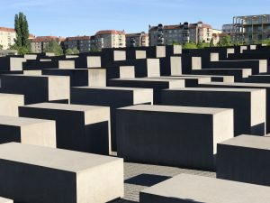 big mistakes what great leaders do Holocaust Memorial photo